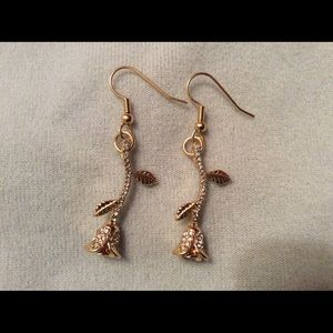 NWT Dainty Crystal Rose Earrings